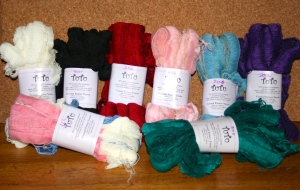 hanks of single colour tu-tu yarn