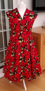 this beautiful summer dress was made for Val's holiday - we had a bit of a panic, because it seems Royal Mail lost her package - so I sent her another 4m of this very popular red poppy material - listed in julzcrafts supplies shop on etsy - and on the 85solway account on ebay.