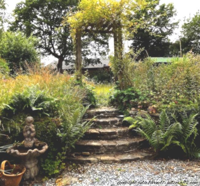 a garden in benign neglect_Fotor